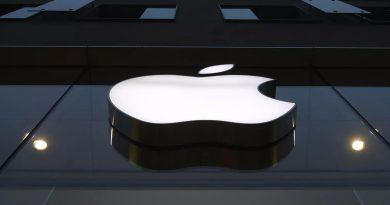 Apple becomes world's biggest smartphone seller with record shipments