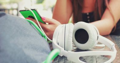 Do earphones hurt your ears? Find out here